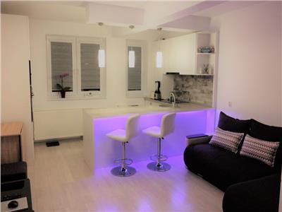 Apartament mobilat Modern, 2 camere, Parcare si terasa imensa.