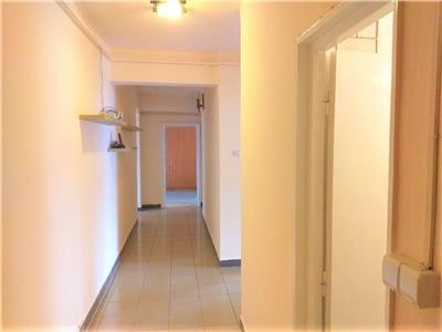 4 camere, Decomandat, 2 bai, Semi-mobilat, Parcare, cartier Marasti