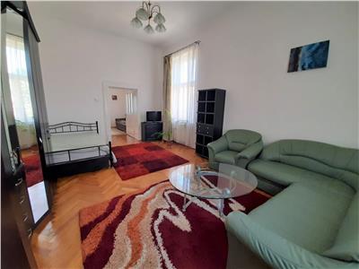 Apartament Modern si Spatios cu 3 camere si PARCARE situat CENTRAL