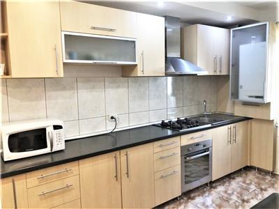 Apartament cu 3 camere decomandate si parcare in Marasti