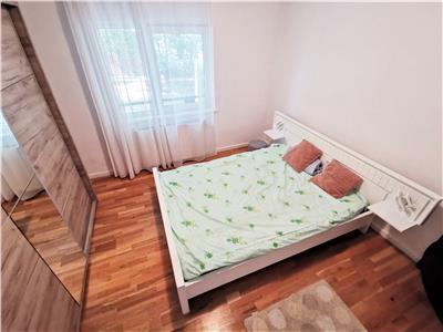Apartament modern cu 3 camere DECOMANDATE si 2 bai, cartier Zorilor