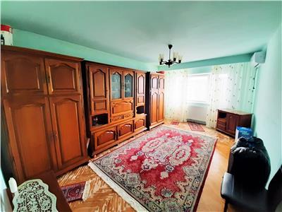 Apartament spatios 2 camere DECOMANDAT, Cartier Intre Lacuri