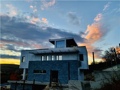 Panorama de VIS! Casa individuala cu PISCINA si jacuzzi zona SunGarden