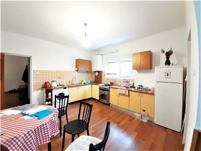 Apartament cu 4 camere decomandate si Garaj, Republicii, Centru