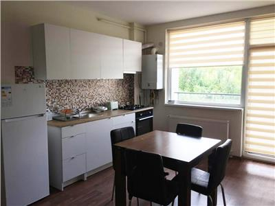Apartament cu 3 camere, balcon si parcare, cartier Borhanci