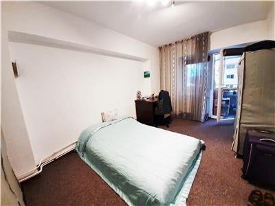 Apartament modern cu 3 camere, parcare, balcon 10mp, Zorilor!