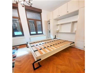 Apartament cu 3 camere in cladire istorica in centrul Clujului
