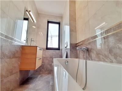 Apartament 4 camere, partial mobilat, Riviera Luxury, zona Iulius Mall