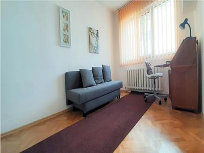 Apartament cu 3 camere decomandate, cartier Manastur