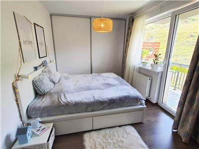 Apartament LUX cu 3 camere, 2 Parcari, etaj intermediar, zona VIVO