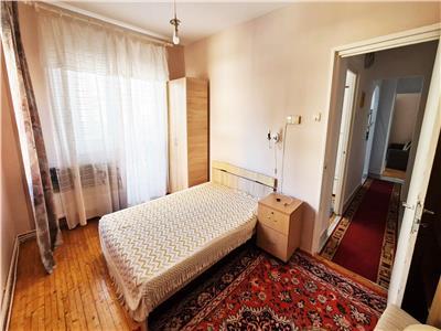 Apartament cochet cu 3 Dormitoare si 2 balcoane in zona Iulius Mall