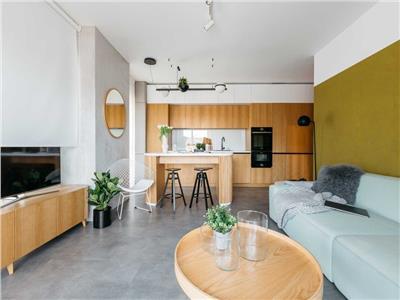 Apartament, LUX, 2 camere si Parcare, zona Centrala