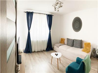 Apartament modern cu 2 camere decomandate, etaj intermediar, zona Big