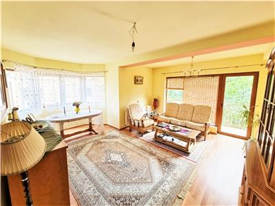 Apartament frumos intr-o zona cu multa natura verde, A. Muresanu