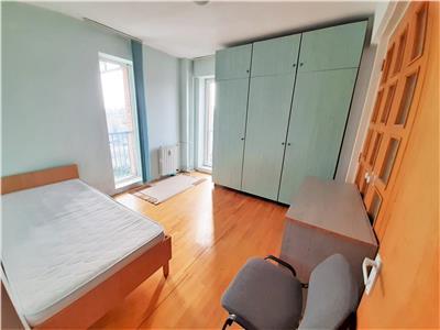 Apartament cu 4 camere, 2 bai, cartier Zorilor, ideal pentru studenti