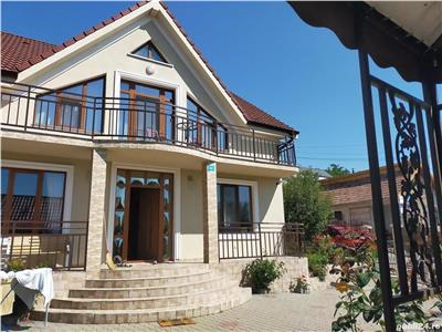 Casa Superba cu 5 camere, Gradina si Parcare, in Dambul Rotund