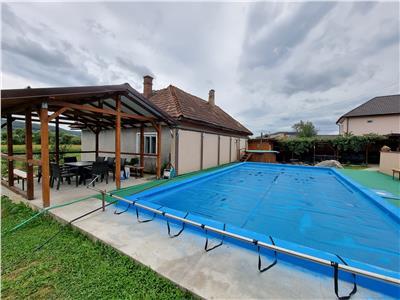 Se vinde afacere! Cabana la cheie cu piscina, teren 4364 mp, jud Salaj