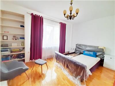 Casa superba cu 6 camere si Parcare, in Gheorgheni