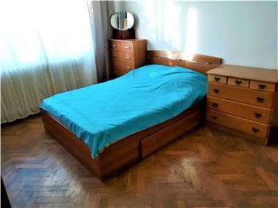 Apartament cu 4 camere, cartier Manastur, zona linistita