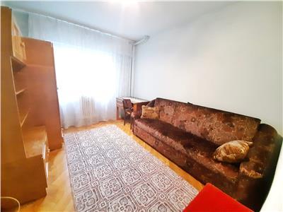 Apartament cu 3 camere DECOMANDATE in cartierul Marasti