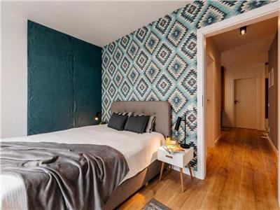 Apartament LUX, 2 camere decomandate si Parcare, zona Calea Turzii
