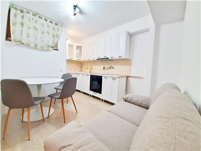 RENOVAT   Apartament cu 2 camere Decomandate, Piata Marasti