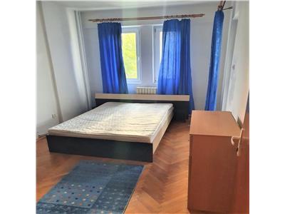 Apartament cu 4 camere DECOMANDATE, ideal pentru studenti