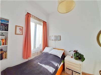 Apartament cu o camera si curte interioara | Parcare | ULTRACENTRAL