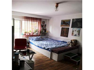 Apartament cu 4 camere decomandate in zona Marasti