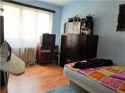 Apartament 4 camere decomandate, etaj 1, 2 bai, zona Profi, Manastur