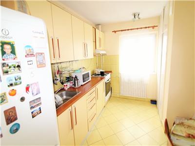 Apartament 2 camere decomandate, 2 balcoane, cartier Intre Lacuri