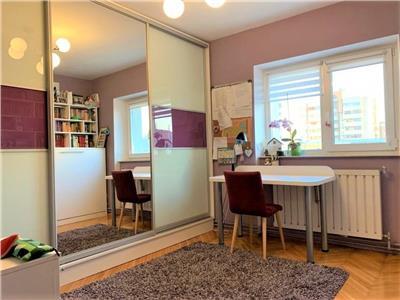 Apartament ingrijit in zona Titulescu, 2 parcari, mobilat si utilat!