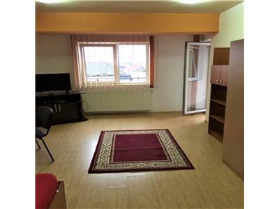 Apartament cu o camera,cu terasa, c-tie noua, et. intermediar, Zorilor