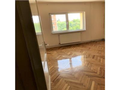 Apartament cu 3 camere decomandate, zona str. Nasaud, Marasti