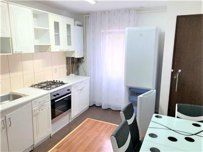 Apartament renovat cu 3 camere, 2 bai, parcare, Policlinica Grigorescu
