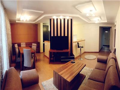 Apartament cu 3 camere luminoase, 120 mp, cu garaj, Buna Ziua