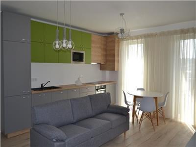 Apartament 3 camere,LUX, cu parcare, zona Centrala
