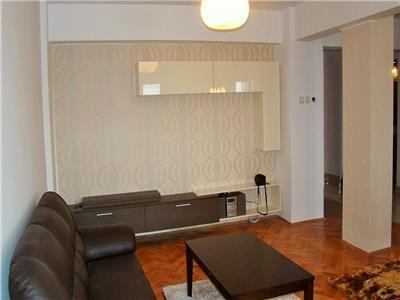 Apartament 4 camere in Piata Cipariu, 100 mp, zona Centrala, cu view!