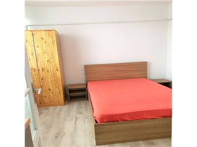 Apartament frumos cu 2 camere si Parcare in Piata Mihai Viteazu!