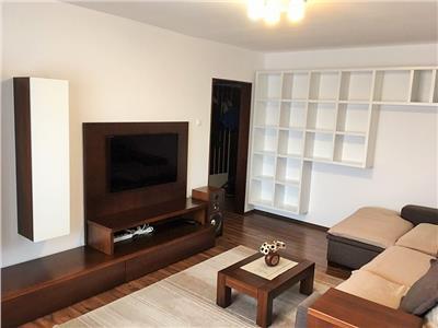 Apartament 3 camere decomandate, zona Intre Lacuri, aproape de Iulius