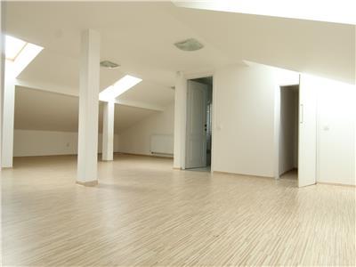 Casa cu 8 camere, constructie Noua ! - Curte- Piata Cipariu - Centru