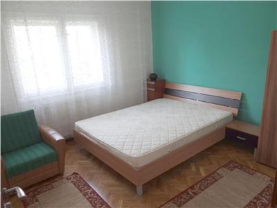 3 camere decomandate, 2 bai, Manastur, ideal pentru studenti