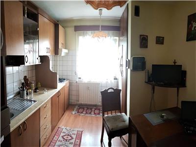 3 camere decomandate, 2 bai, etaj 3, str. Scortarilor, Marasti