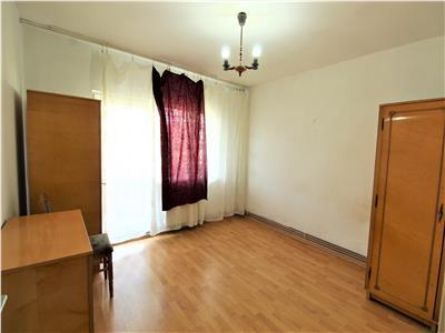 Apartament cu 2 camere decomandate, et. intermediar, zona P-ta Marasti