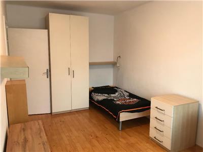 2 camere decomandate, etaj 2, Plopilor-Sala Polivalenta
